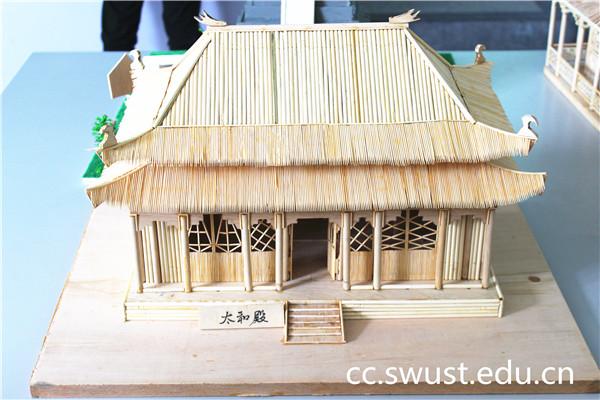 """土木工程系成功举办""""中国古建筑模型设计与制作成果汇报展"""""""