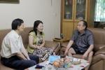 迎七一 送温暖——校领导亲切看望慰问老党员、困难党员和群众 - 四川音乐学院