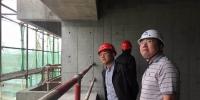 """殷时奎在成都市督导住建系统""""两节""""期间安全生产工作 - 住房与城乡建设厅"""